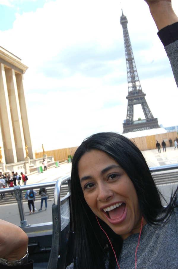 Cristina en Torre Eiffel