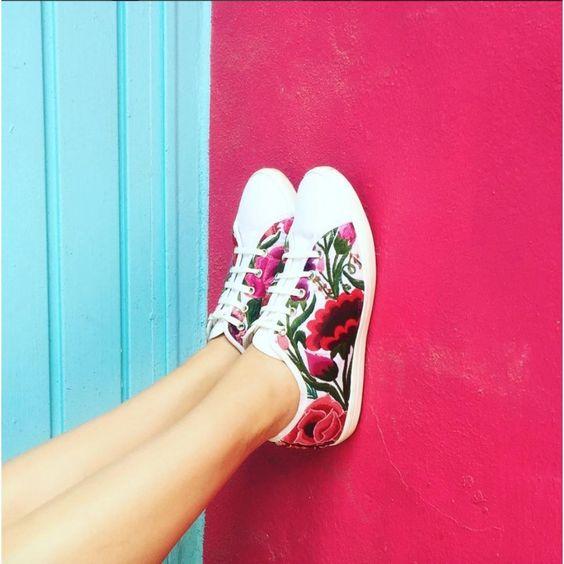 zapatillas bordado flores